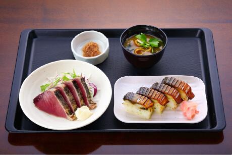 鰹のたたきと焼さば寿司定食